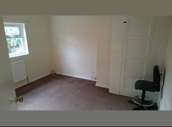 EasyRoommate UK - 1 double and 1 single room available  - Cherry Hinton, Cambridge - £450 pcm