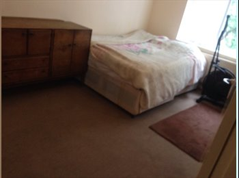 EasyRoommate UK - Very big double bedroom  - Seven Sisters, London - £600 pcm