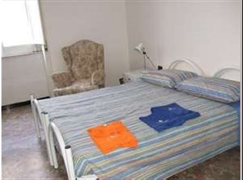 EasyRoommate UK - TWIN room 2 persons: Tube station 5 mins - East Ham, London - £800 pcm