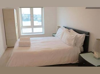 EasyRoommate UK - Double room with views of river, City Greenwich - Tower Hamlets, London - £1,100 pcm