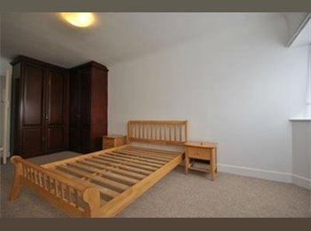 EasyRoommate UK - Double room in West Acton  - Acton, London - £830 pcm