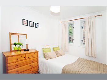 EasyRoommate UK - WELL FURNISHED APARTMENT - Hammersmith, London - £600 pcm