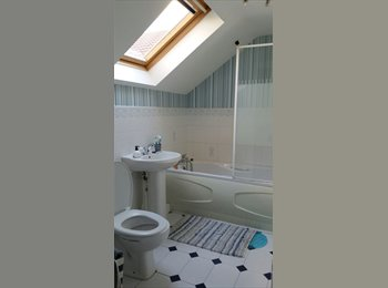 EasyRoommate UK - Double room available in spacious detached house  - Wallsend, North Tyneside - £395 pcm