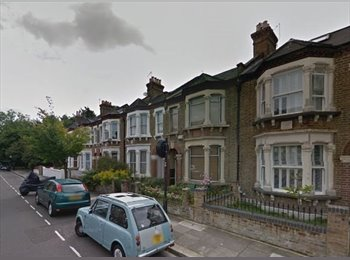 A lovely double room on Berestede Road, Stamford Brook W6