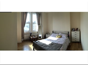 Spacious double room to let in beautiful period property,...
