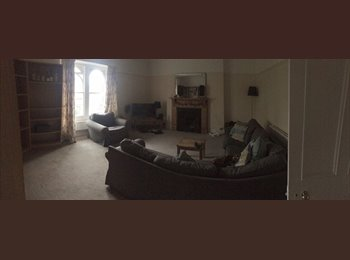 EasyRoommate UK - Extra Large Double Room Available In 3 Bedroom Flat - Redland, Bristol - £600 pcm