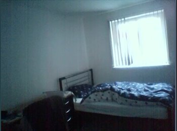 EasyRoommate UK - 1 Double Bedroom available in a 4 Bedroom Shared Flat - Knighton, Leicester - £105 pcm