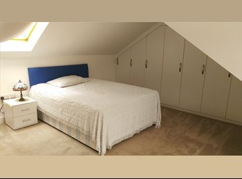 Luxury double room En-suite available now