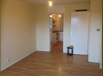 ONE / TWO BEDROOM FLAT IN VAUXHALL