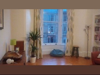 Spacious double room in Queens Park
