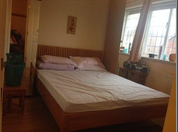 EasyRoommate UK - 4 Rooms in Lovely House in Hounslow  - Isleworth, London - £550 pcm