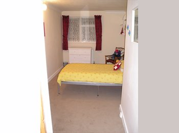 Double room in clean, comfortable good sized 2 bedroom...