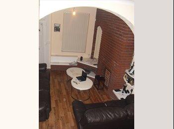 EasyRoommate UK - Housemate wanted / Single room to rent in Hanley, Stoke on Trent - Stoke-on-Trent, Stoke-on-Trent - £230 pcm