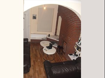 Housemate wanted / Single room to rent in Hanley, Stoke on...