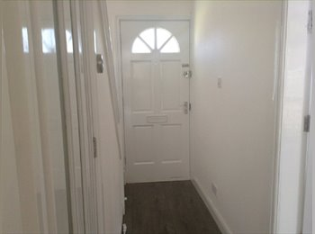 THIS AMAZING LOCATION GREAT ROOM IN SELLY OAK