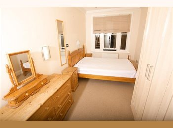 Ensuite King Size Double Room. Half flat share N7