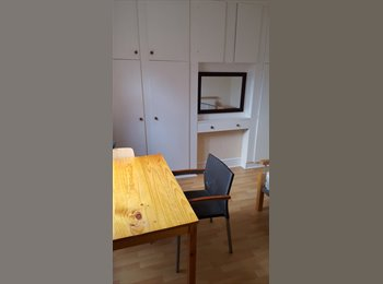 EasyRoommate UK - 2 x Large Double room to rent in Derby City £330 bills included - Derby, Derby - £330 pcm