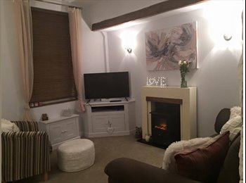Single room available in lovely terraced house