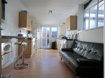 Portsmouth,  North End, double room within shared house