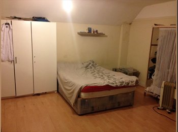 EasyRoommate UK - A nice, affordable, spacious and cosy (loft) double bedroom - Morden, London - £650 pcm