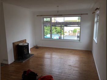 EasyRoommate UK - * Professional House Share in City Centre Location with Parking * - Truro, Truro - £420 pcm