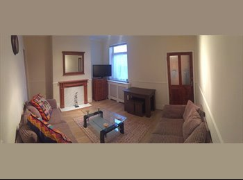 Two Large Double Bedrooms for Rent in a Three Bed Terraced...