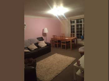 EasyRoommate UK - Double bedroom  - Cheadle Hulme, Stockport - £470 pcm
