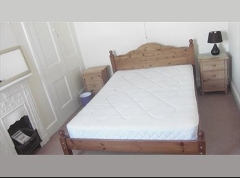 EasyRoommate UK - 31 Victoria Road, Chatham, Rooms to Let - Detling, Maidstone - £399 pcm