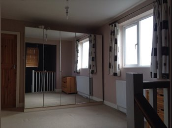 EasyRoommate UK - One Double Bedroom House with Garden  - Hemel Hempstead, Hemel Hempstead - £800 pcm