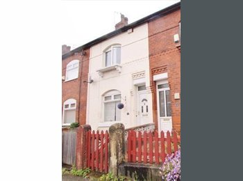 EasyRoommate UK - Double Room Available - Eccles, Salford - £477 pcm