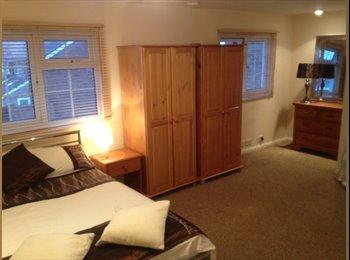 EasyRoommate UK - House Share in Dartford - Dartford, London - £650 pcm
