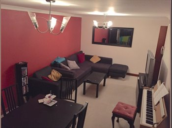 Double bedroom available in a 2 bedroom flat very central...