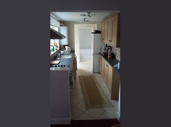 EasyRoommate UK - double room to rent in Ryde - Ryde, Ryde - £350 pcm