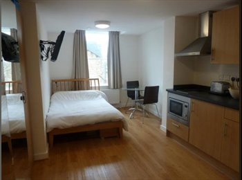 W6 Studio Double Located within walking distance to Tube...