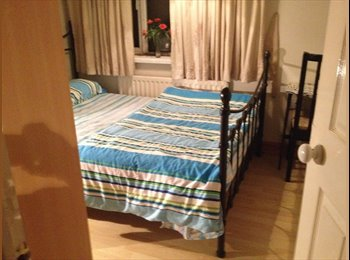 Bright double bedroom in calm friendly environment