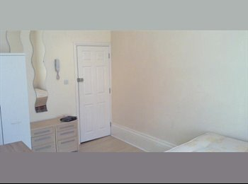 NW2 Semi Studio Iideally located close to Tube station