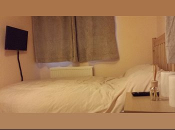 EasyRoommate UK - Double room to rent in beautiful house - Hedgerley, Slough - £600 pcm