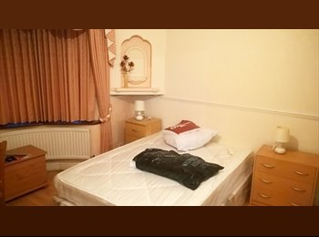Large Double Room Availabe near Barking Station
