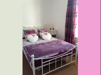 EasyRoommate UK - 1 spare upstairs bedroom  - Winton, Bournemouth - £340 pcm