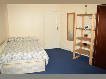Double room for single person close to Tooting Railway...