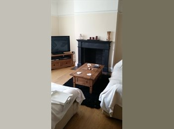 EasyRoommate UK - 2 double rooms available from 1st december - Stoke-on-Trent, Stoke-on-Trent - £350 pcm