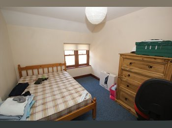 Double room in 4 bed house in Clifton