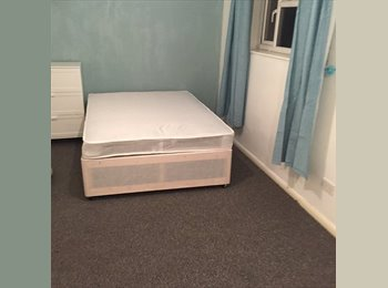 EasyRoommate UK - ****WOW!!! HUGE ROOMS IN HEMEL!!! HIGH STANDARD - Hemel Hempstead, Hemel Hempstead - £620 pcm