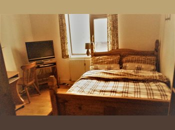 EasyRoommate UK - Room in Quiet, Comfortable, Detached house in Slough - Slough, Slough - £500 pcm