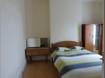 Fantastic house share has great rooms available.