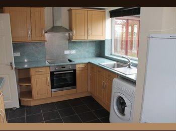 EasyRoommate UK -  Semi-detached House in Ormskirk - Bescar, Ormskirk - £2,220 pcm