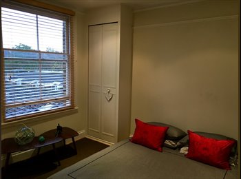 Room Available in Charming 2 Bedroom Flat