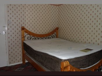 Double Room in 2 Min walk from Upton Park tube station