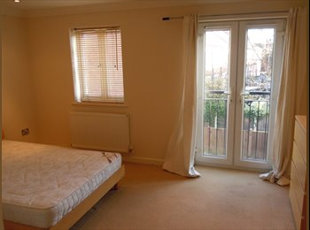 SUPERB MODERN 4 BED SHARED WEST BRIDGFORD HOUSE