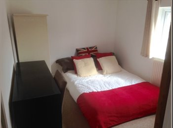 EasyRoommate UK - House Mate Needed to Share Cosy Cottage Off Bath Road - Leck-hampton, Cheltenham - £400 pcm